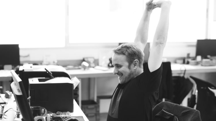 姿勢で腰痛を改善? 腰痛対策4つの良い姿勢